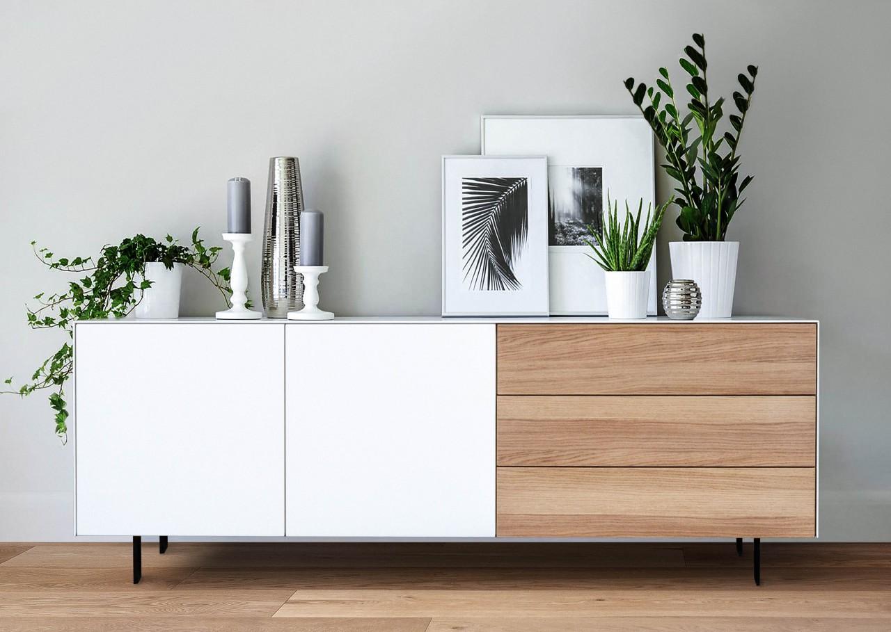 Sideboard Helsinki für Stilbewusste: Eichenfurnier trifft mattes Weiß ca 160.cm