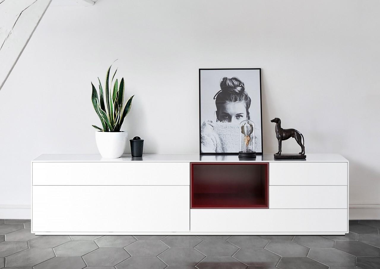 Sideboard Zürich ca. 200 cm Weiss Matt lackiert mit weinroter Nische